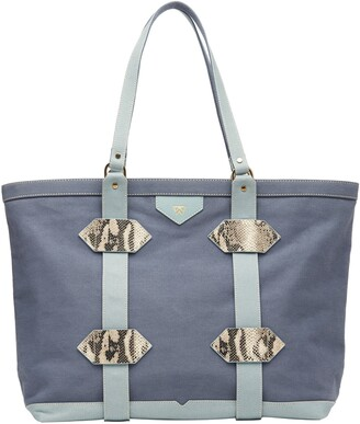 Kelly Wynne Water Resistant Out of Town Tote