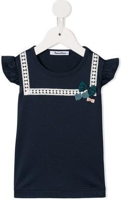 Familiar bow appliqué T-shirt