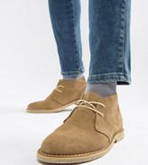 Asos Design DESIGN Wide Fit desert chukka boots in stone suede