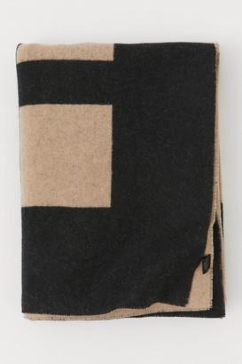 H&M Jacquard-weave Wool Throw