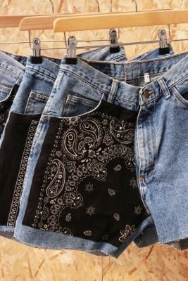 Urban Renewal Vintage Remade From Vintage Bandana Patch Light Wash Denim Shorts - Blue M at Urban Outfitters