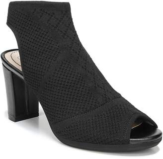 LifeStride Alita Textured Shooties