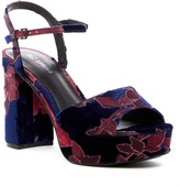 Call it SPRING Rarasen Platform Sandal