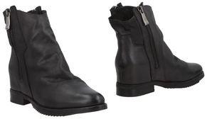 Julie Dee J|D Ankle boots