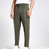 River Island Mens Green single pleat tapered fit trousers