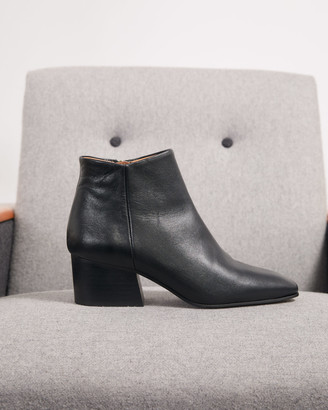 Jigsaw Dapper Leather Ankle Boot