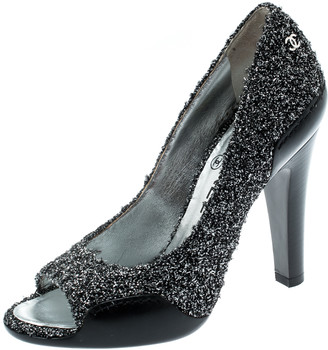 Chanel Metallic Silver Textured Fabric And Black Leather CC Peep Toe Pumps Size 36