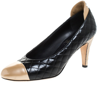 Chanel Black/Gold Quilted Leather Cap Toe Pumps Size 37.5