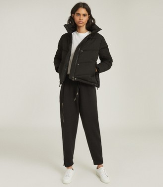 Reiss Dax - Short Puffer Jacket With Side Zip in Black