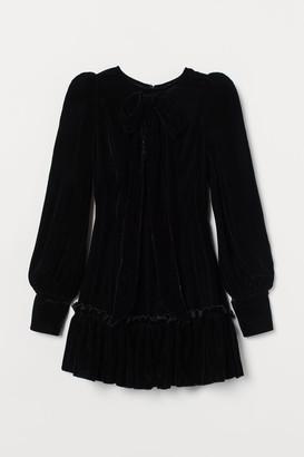H&M Bow-detail Velvet Dress - Black