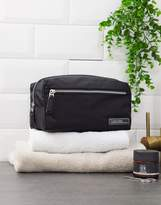 Calvin Klein Primary washbag in black