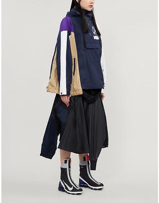 Nike X Sacai Asymmetrical contrast-panel shell jacket