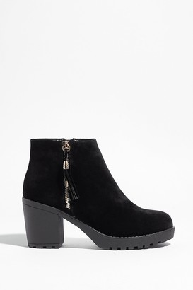 Nasty Gal Womens Worth the Tassel Faux Suede Ankle Boots - Black - 3