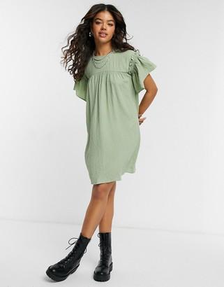 Vero Moda ruffle sleeve smock dress in green