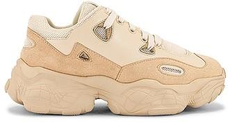 Raye Ellis Sneaker