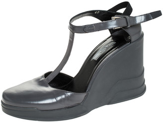 Prada Grey Leather T- Strap Carved Rubber Wedge Sandals Size 40