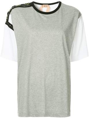 No.21 embellished shoulder T-shirt