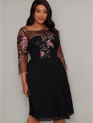 Chi Chi London Curve Adalee Dress - Black