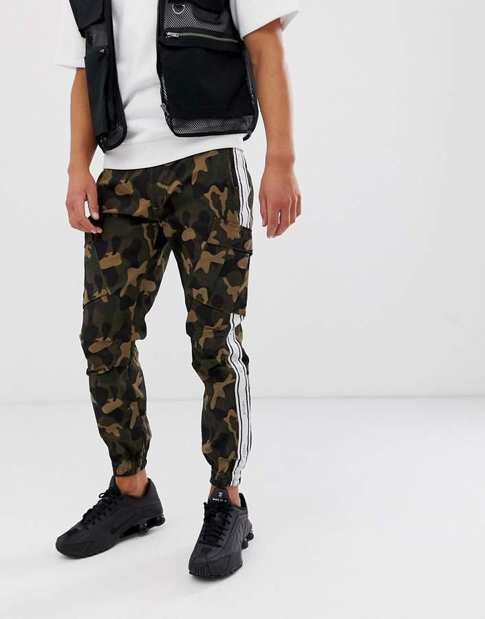 6eb196c3059a3 Camo Cargo Pants For Men - ShopStyle UK