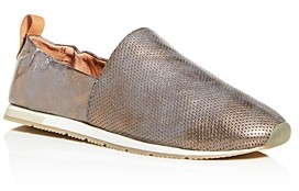 Gentle Souls by Kenneth Cole Women's Luca A-Line Perforated Flats