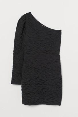 H&M Crinkled Fitted Dress - Black