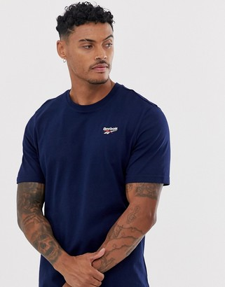 Reebok t-shirt with small vector logo in navy