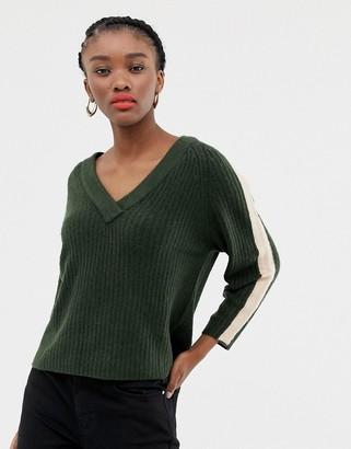 JDY stripe sleeve v neck sweater-Green