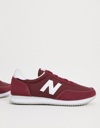New Balance 720 sneakers in red
