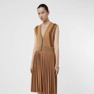 Burberry Seeveess Knitted Woo V-neck Dress