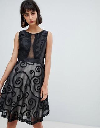 Amy Lynn Prom Dress With Brocade Detail-Black