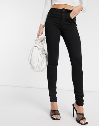 Vero Moda Tanya skinny jeans with high waist in black