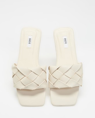 Dazie - Women's Neutrals Flat Sandals - Storm Sandals - Size 10 at The Iconic