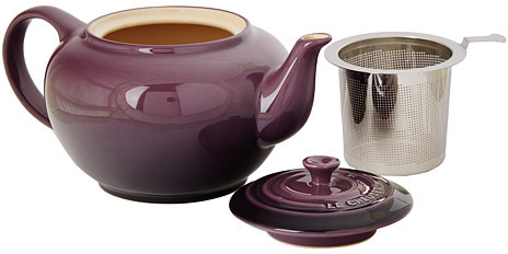 Le Creuset Large Teapot with Stainless Steel Infuser - 1 qt.