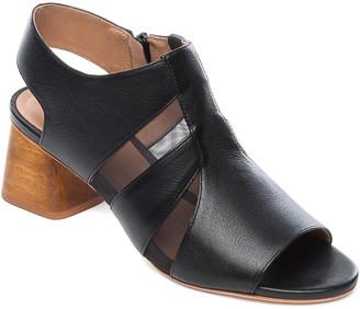 Bernardo Bailey Leather Sandal