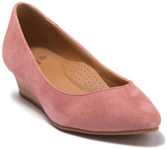 Susina Francie Suede Wedge Pump