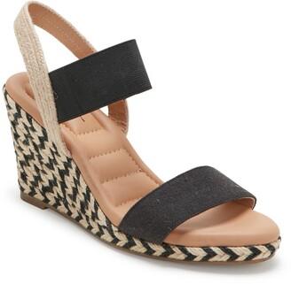 Me Too Barra Wedge Sandal
