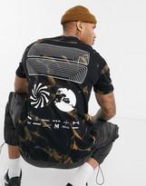 Mennace tie dye back graphic t shirt in black