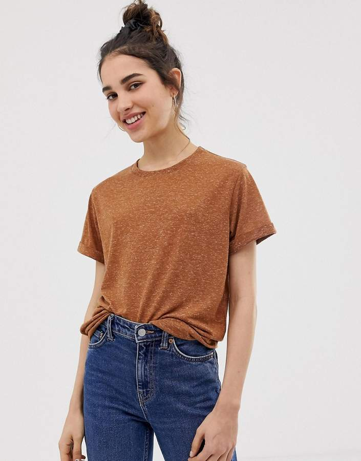 Asos Design DESIGN t-shirt with roll sleeve in linen mix in brown