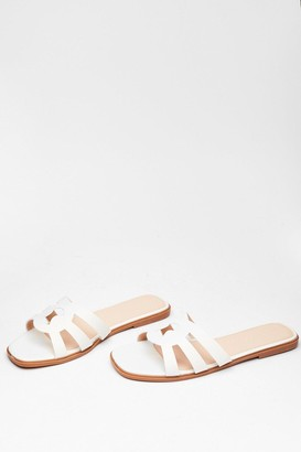 Nasty Gal Womens Make Moves Cut-Out Flat Sandals - White