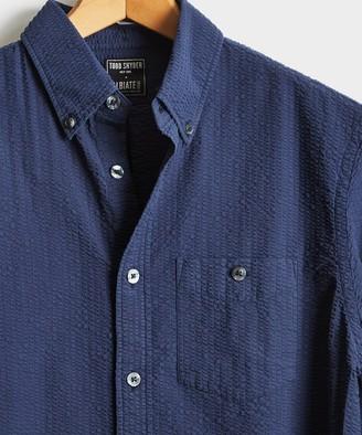 Todd Snyder Italian Seersucker Long Sleeve Shirt in Navy