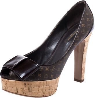 Louis Vuitton Brown Monogram Canvas and Patent Leather Rivoli Cork Peep Toe Pumps Size 39