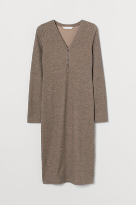 H&M MAMA Ribbed Jersey Dress