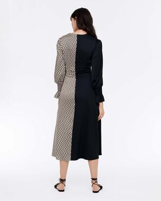 Diane von Furstenberg Michelle Silk Crepe De Chine Midi Dress in Vintage Logo