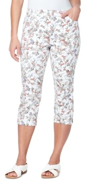 Gloria Vanderbilt Petite Amanda Floral-Print Capri Jeans
