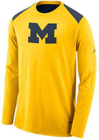 Nike Men's Michigan Wolverines Basketball Long Sleeve Shooter T-Shirt