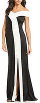 Kay Unger Off-The-Shoulder Stretch Gown