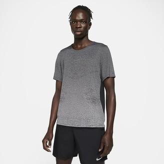 Nike Men's Short-Sleeve Running Top Pinnacle Run Division