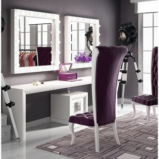Everly Quinn Kirkwood Bedroom Makeup Vanity Set with Mirror Color: Black Glossy