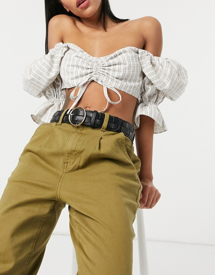 Pieces weave belt with circle buckle in black