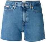 Calvin Klein Jeans cut-off shorts - women - Cotton - 24